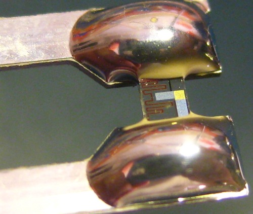 Thin film capacitor heated twin sensor
